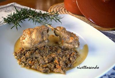 Coniglio al civet ricetta per un sistema di cottura molto antico per la selvaggina