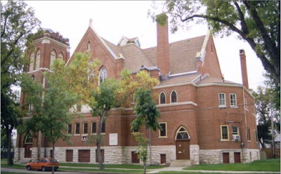 North facade of St. Giles ca. 1999. Photo courtesy of the City of Winnipeg Historical Report.