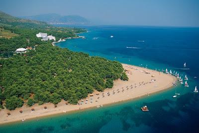 Κι όμως δεν είναι οι Μαλδίβες, αλλά ένα ονειρεμένο μέρος στην Ελλάδα!