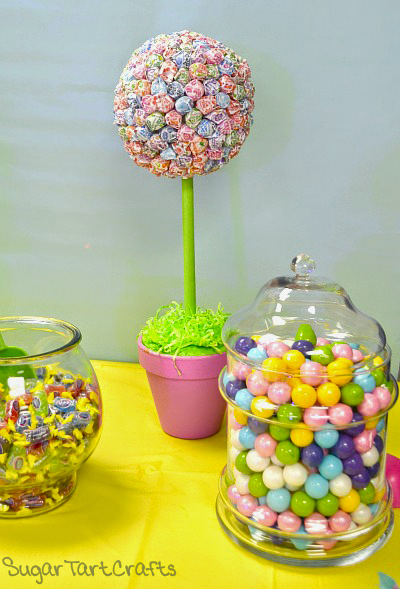 How to make a Dum Dum lollipop topiary.