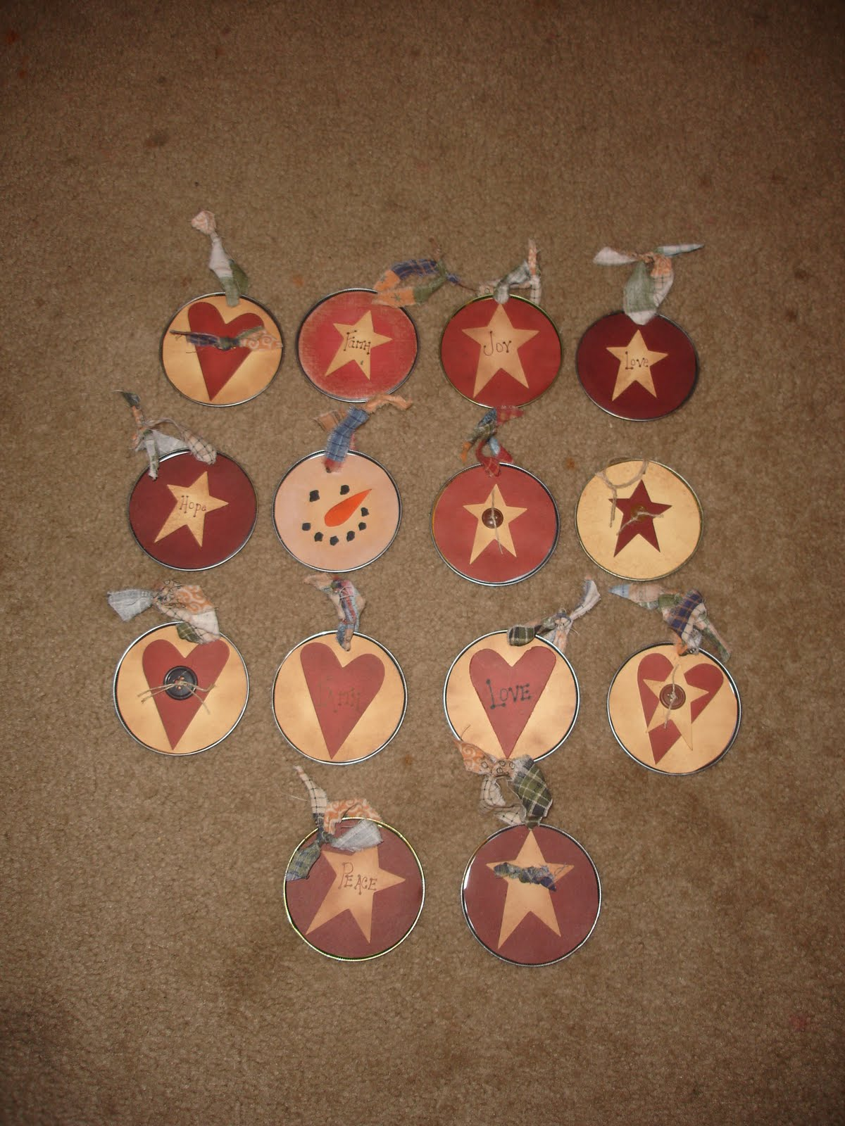 Primitive christmas ornaments - Btw My Favorite Ornaments Are The Clothespin Snowmen In The Far Left Photo In The Bottom Row They Were Fun Easy And Super Cute