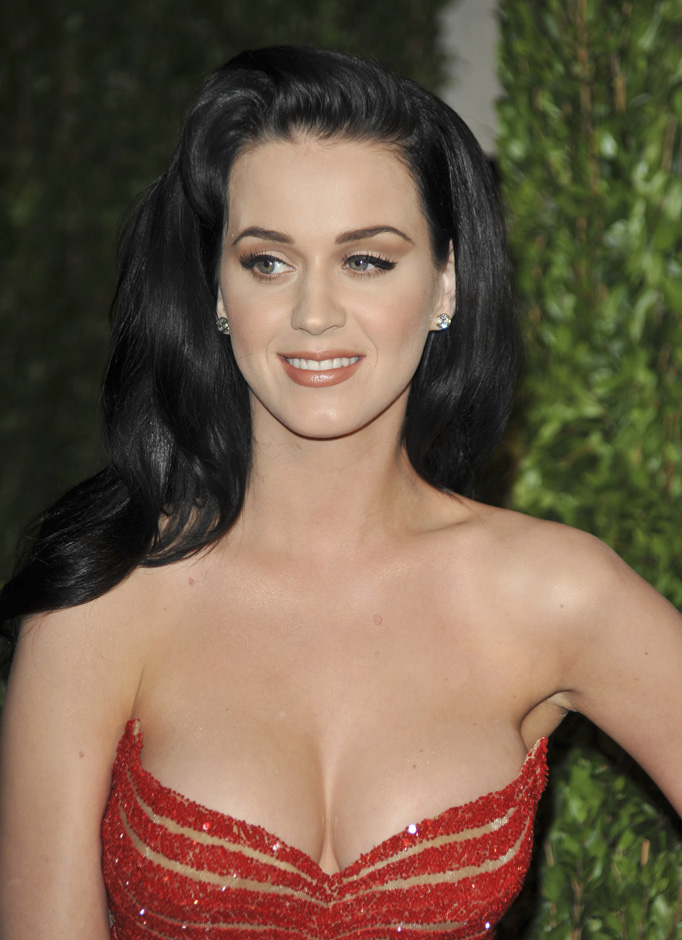Dirty Hollywood Katy Perry S Best Cleavage Photos