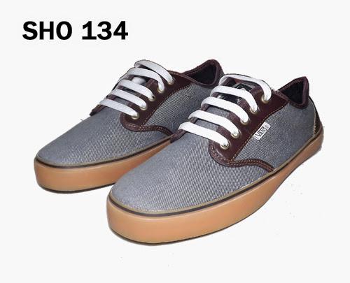 Jual Sepatu Abu-abu Keren – SHO 134