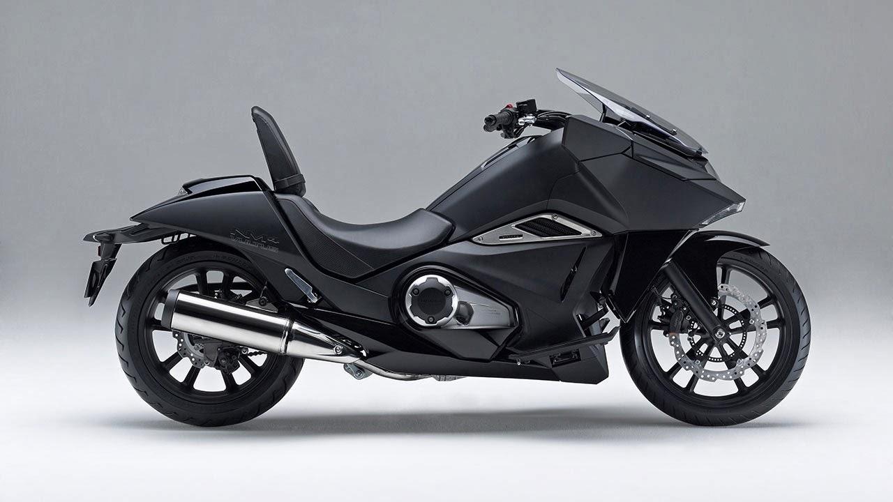 Honda NM4 Vultus side