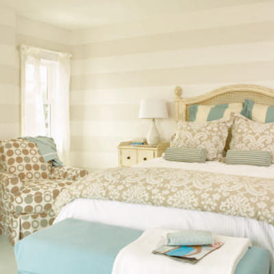 how to make your bedroom look like a cottage