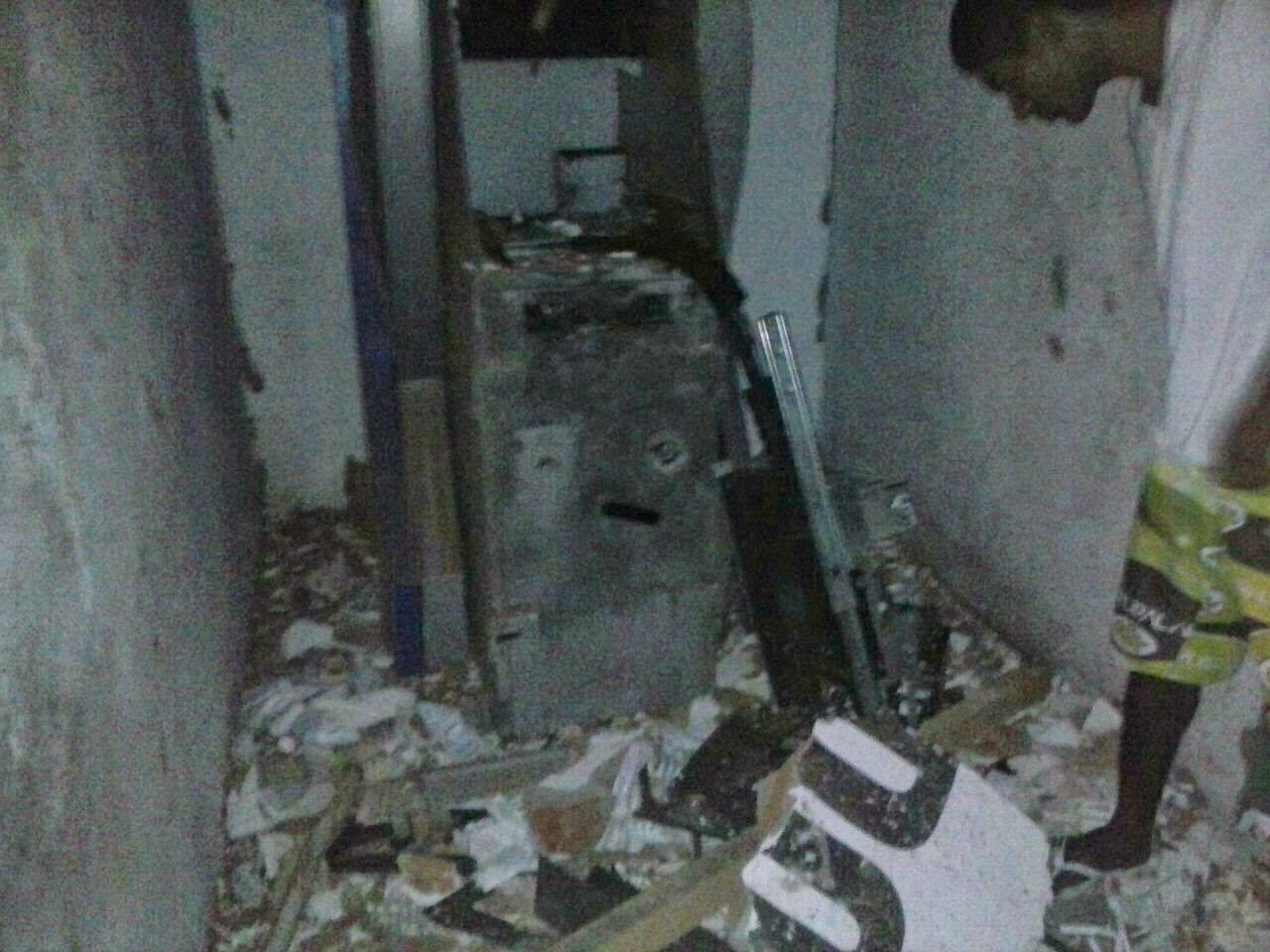 Umburanas: Bandidos tentam explodir caixa eletrônico