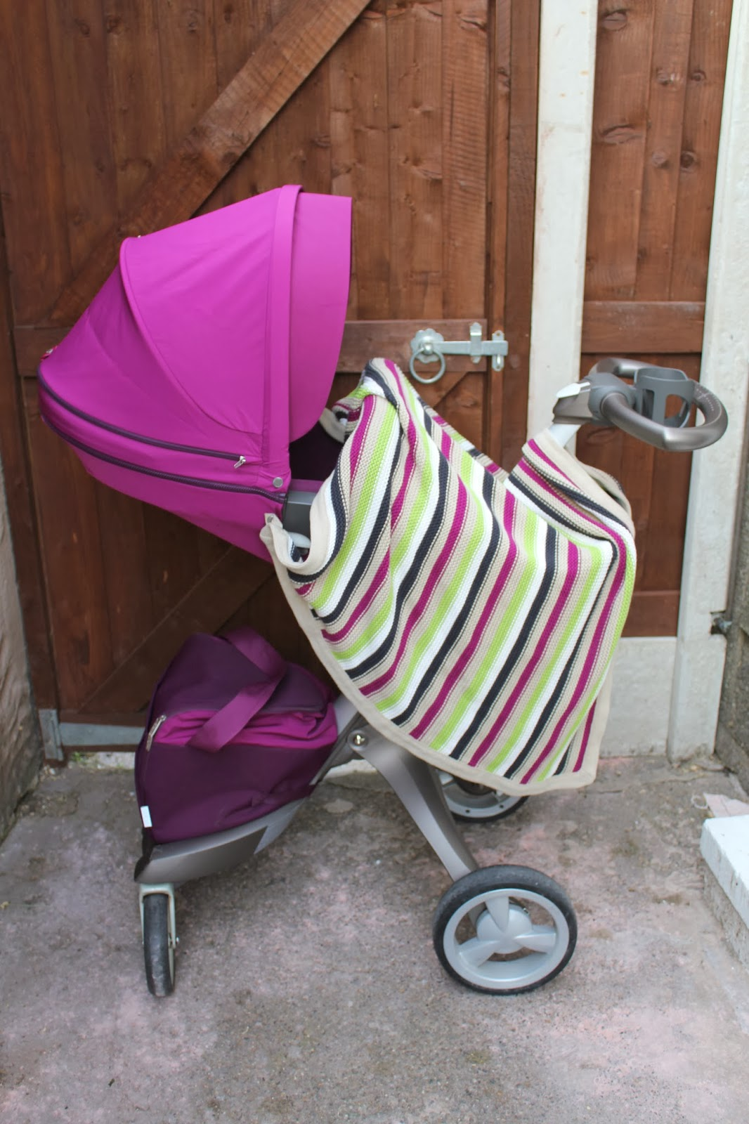 Matching stripe blanket for the purple Stokke Xplory Textiles