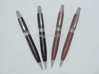 Ballpoint Pen Leather1