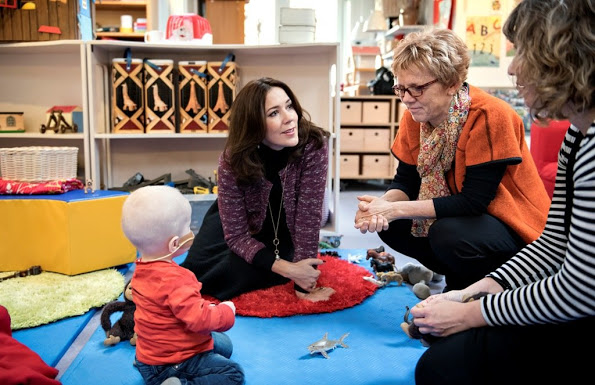 Crown Princess Mary Visits The Kindergarten, SIV