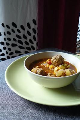 Meksykańska zupa z klopsikami
