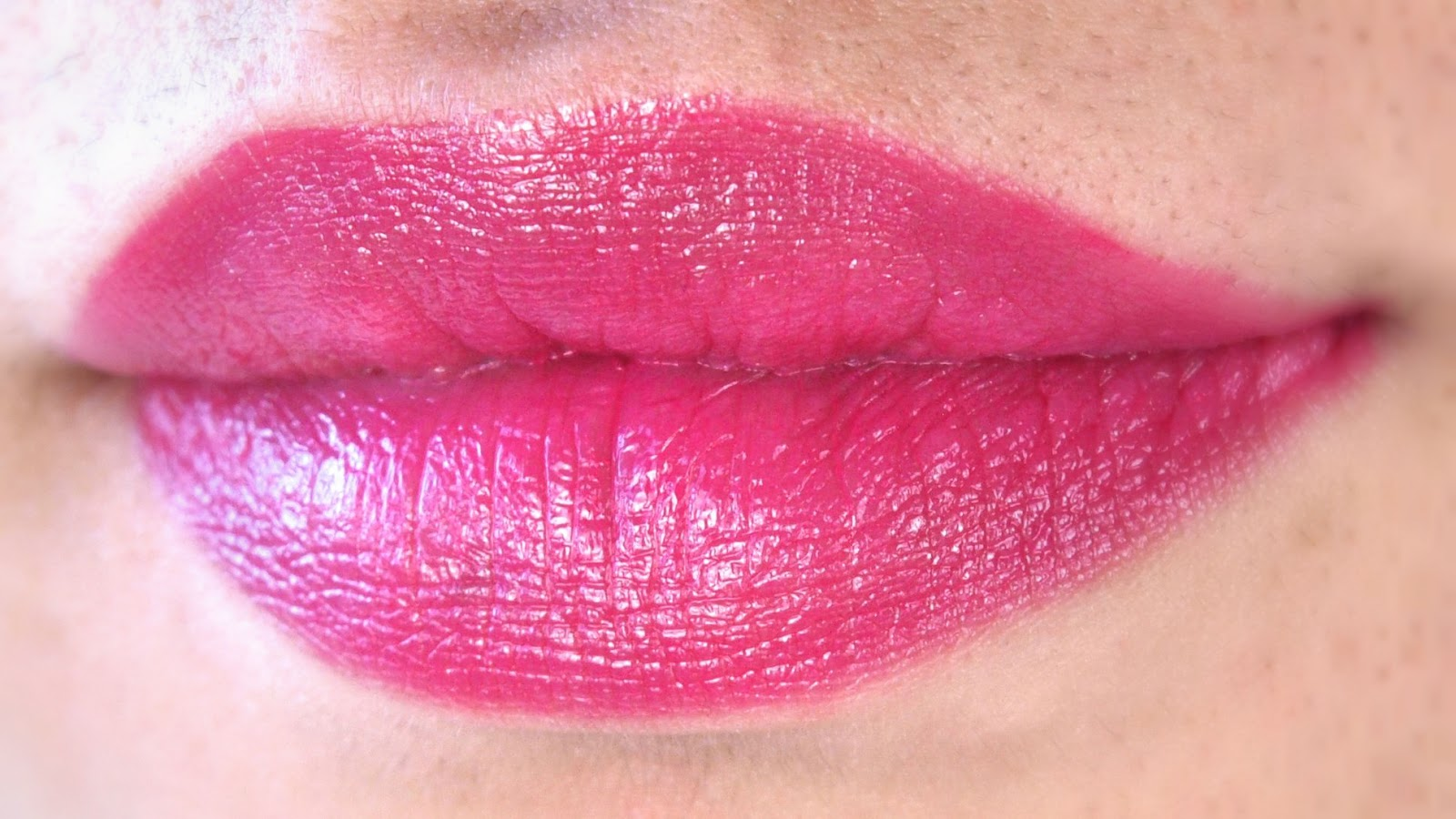 "L.A. Girl Glazed Lip Paint in ""Bombshell"", ""Pin-Up"" & ""Coy"": Review and Swatches"