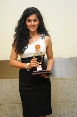 Tapsee New Pics Latest Images @ Santosham Film Awards 2012 Event Stills