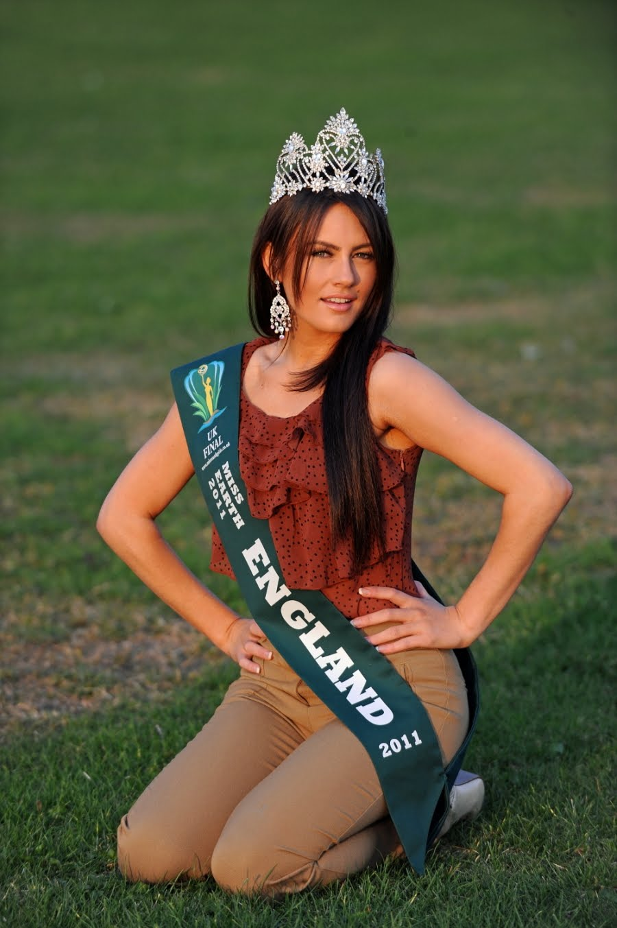 miss earth 2011 contestant Roxanne Smith,roxanne miss earth england 2011