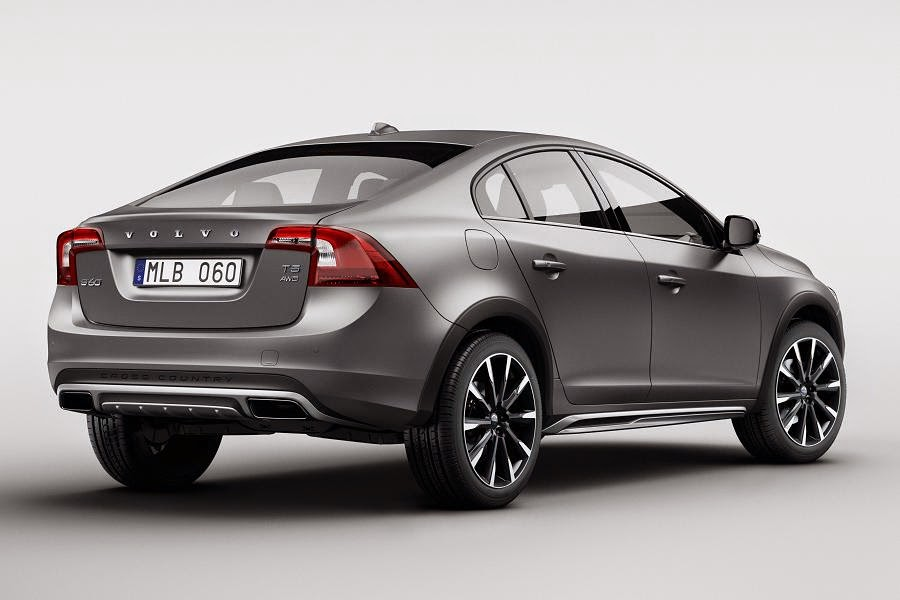 Volvo S60 Cross Country (2016) Rear Side