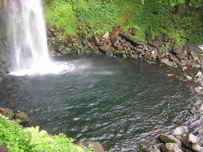 Tempat Objek Wisata Air Terjun Lembah Anai Sumatera Barat (Sumbar)