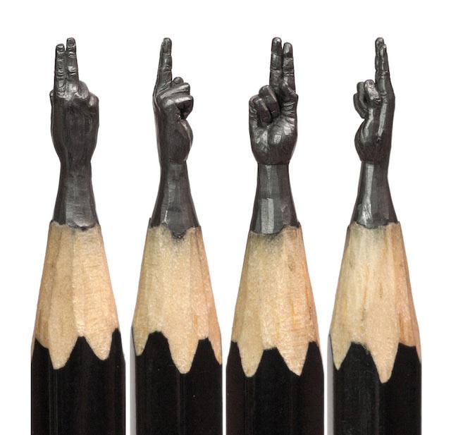 Frágiles esculturas en las puntas de lapices cuidadosamente talladas a mano