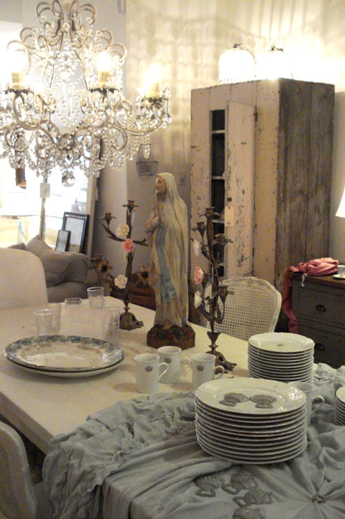 pastel blonde a peek inside shabby chic couture stores. Black Bedroom Furniture Sets. Home Design Ideas