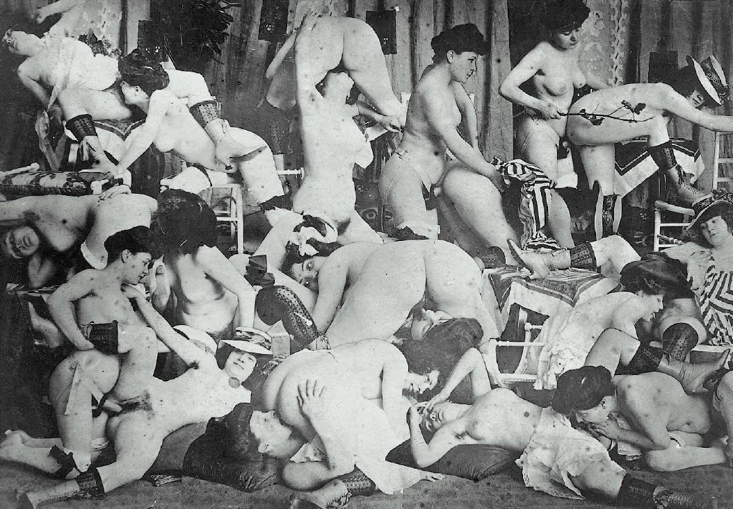 Обнаженный театр  Nudism and Naturism Video and Photo