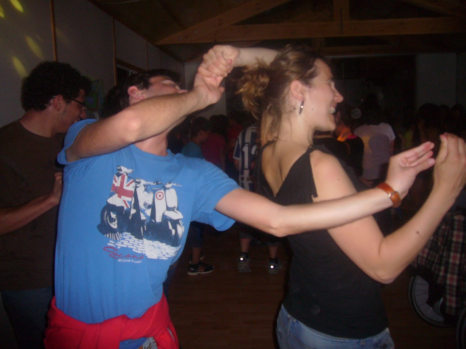 cena masaje bailando