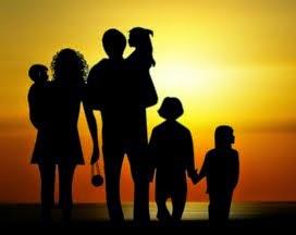 """""""Akinek gyereke van, nem vénülhet meg, annak gondoskodni és idegeskedni kell.""""  (Móricz Zsigmond)"""