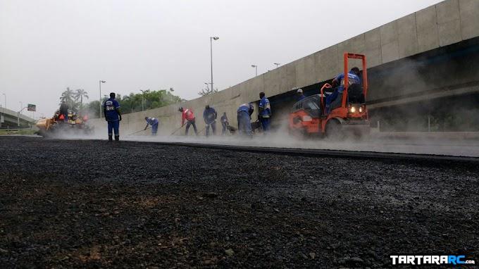 Mini Autódromo (15): começa a aplicação do asfalto
