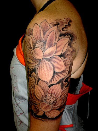 black-and-white-flower-tattoos