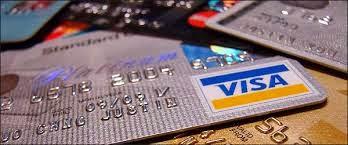 Δεν έχετε μετρητά; Πάρτε μια κάρτα... Έτσι κι αλλιώς σε λίγο θα είναι υποχρεωτική για τις αγορές σας