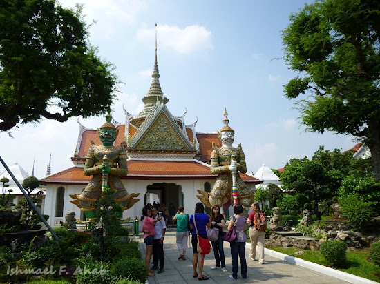 Demon guards at Wat Arun