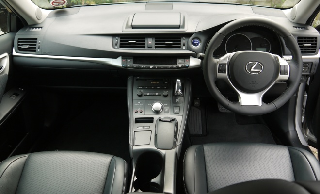 Lexus CT 200h front interior