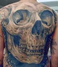 Homens tatuados