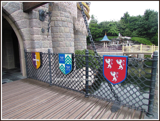 gambar disneyland hong kong istana castle
