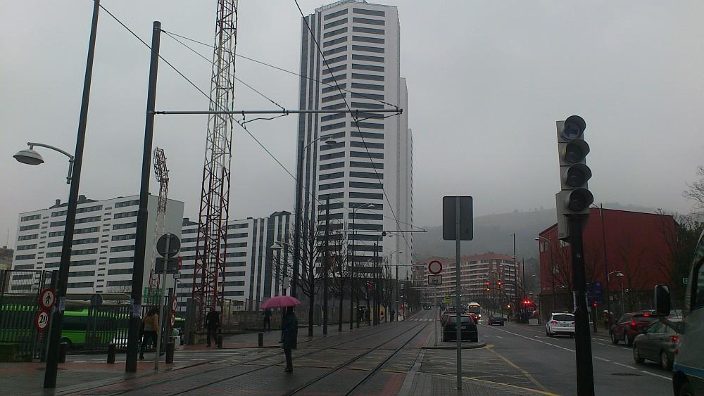 Paisaje urbano, eclipse, tonos de grises
