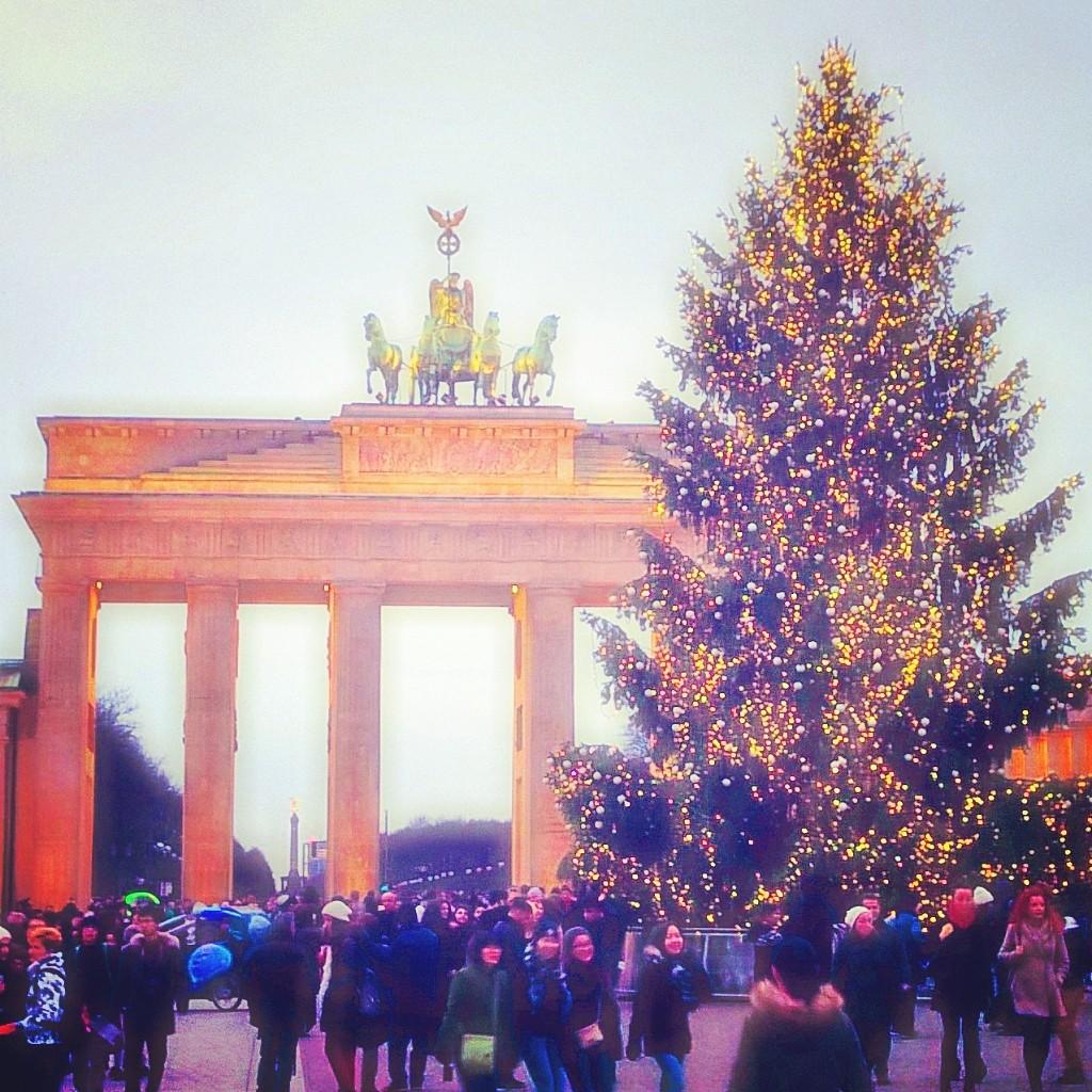 Counsel Of Perfection Merry Christmas Joyeux Noel Buon Natale