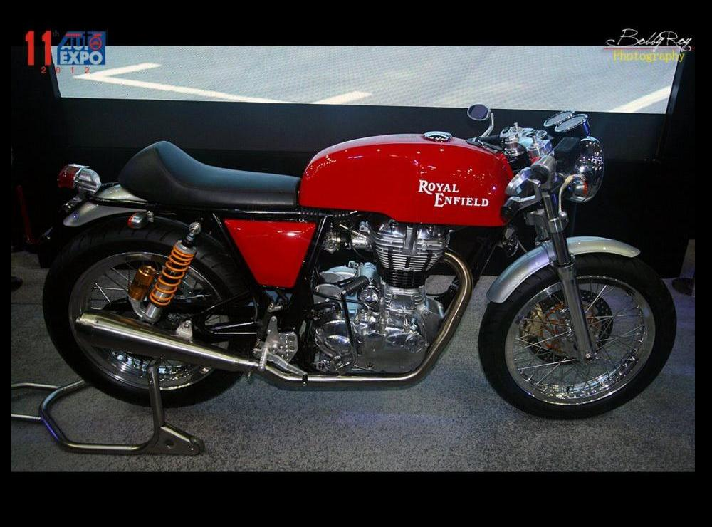 royal enfield continental gt cafe racer captured by bobbyroy 2012 autoexpo bike chronicles. Black Bedroom Furniture Sets. Home Design Ideas