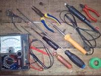 Alat dan Bahan Untuk Praktek Elektronika