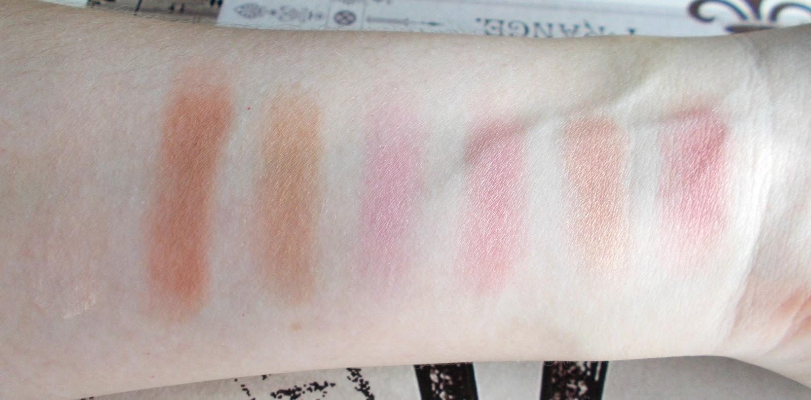NARS One Shocking Moment  palette swatches