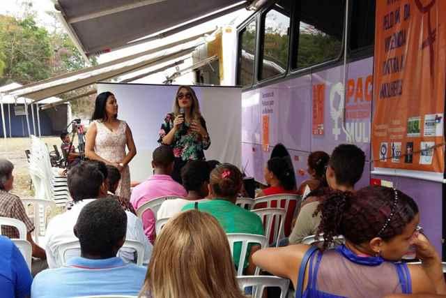Fernanda Chaves