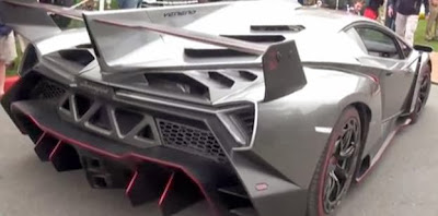 Veneno Roadster from back