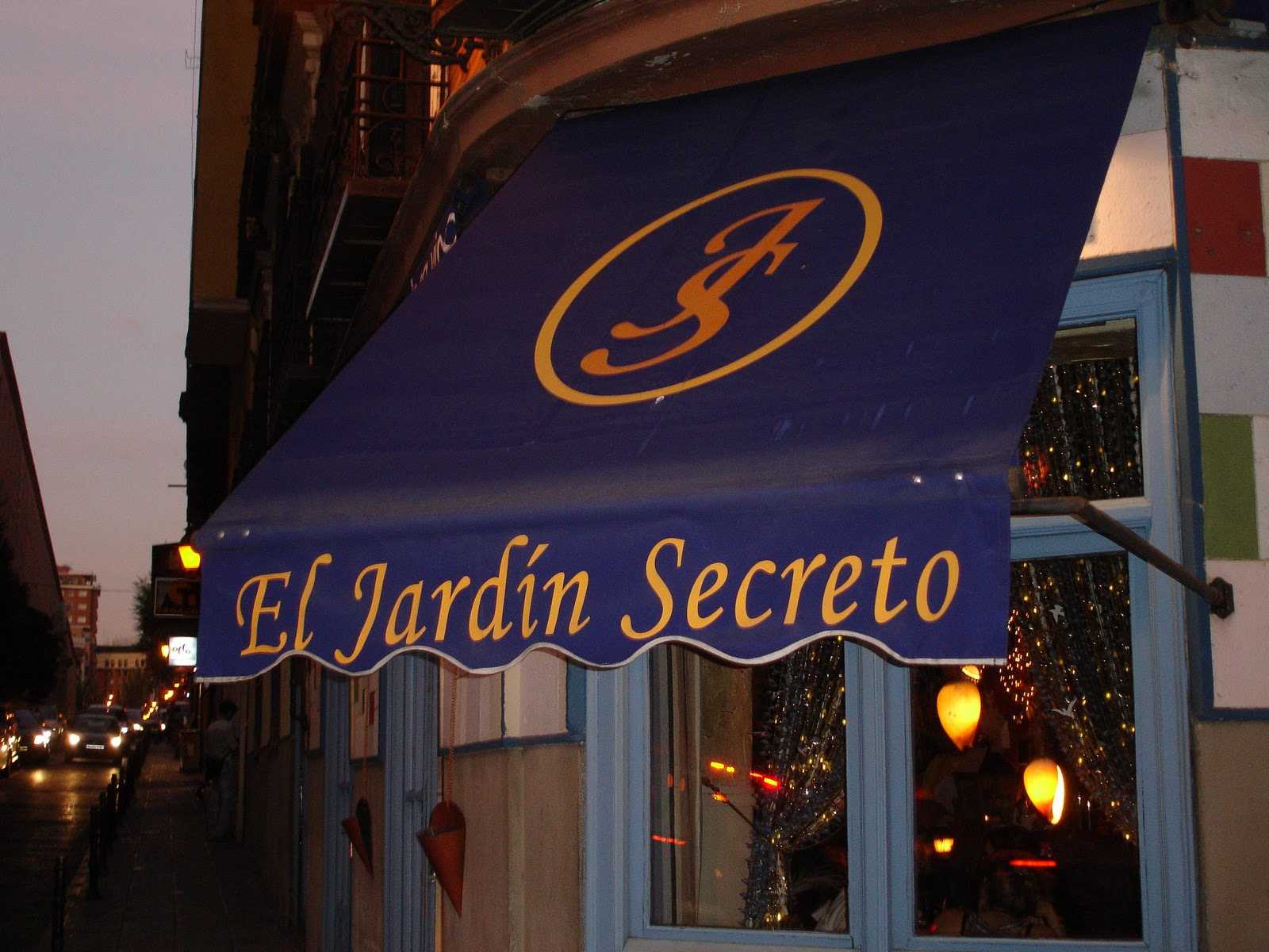 Vuelta abierta blog de viajes el jard n secreto madrid - Restaurante el jardin secreto ...