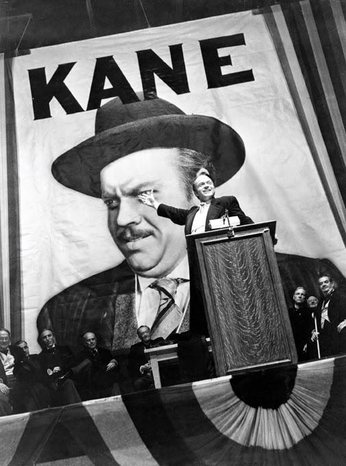 Jorge Luis Borges te dice: (Cittizen Kane) No es inteligente: es genial, en el sentido más nocturno y más alemán de esta mala palabra