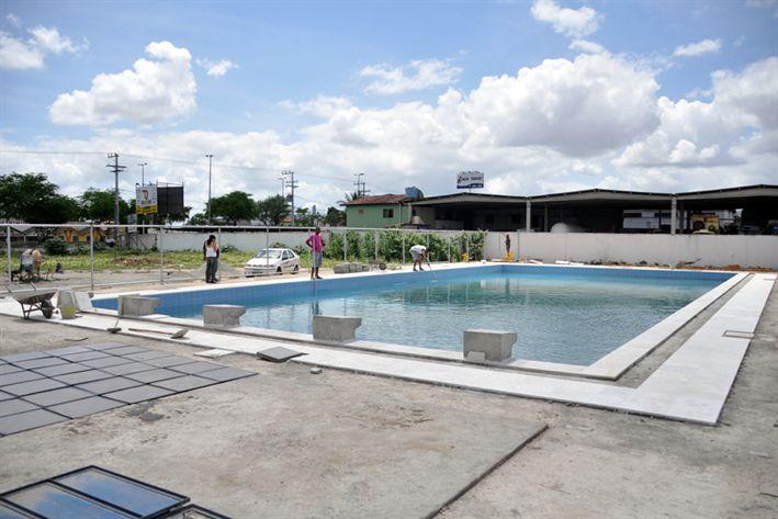 Blog por simas obras aceleradas na piscina semi ol mpica for Piscina municipal pinto