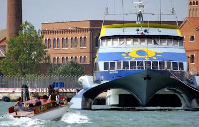 "Katamaran ""Prince of Venice"", Photo by Gunther H.G. Geick"