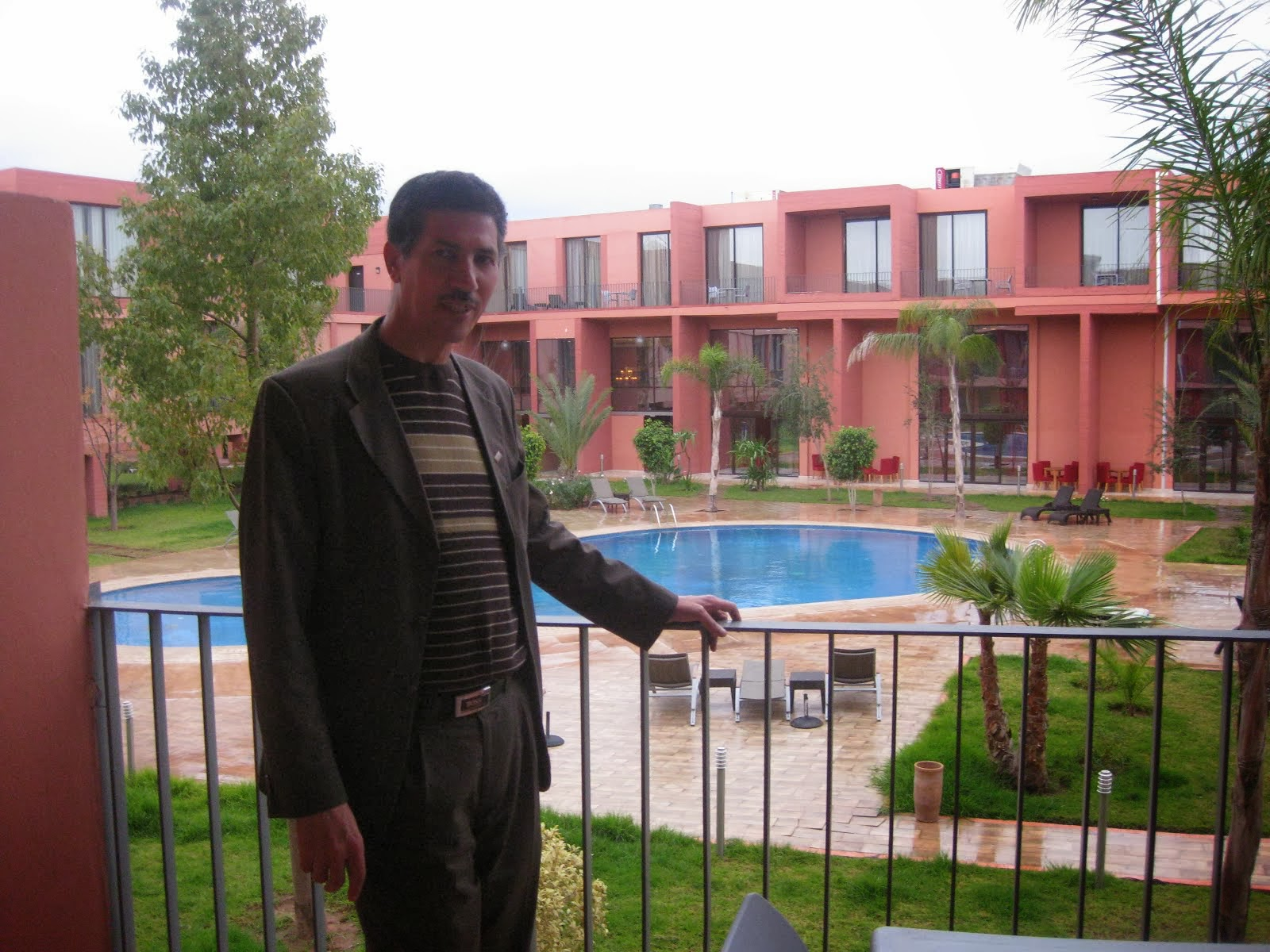 MED ELHATIMI HOTEL GOLDIN TULIB RAWABI A MARRAKECH AU CONGRE D ARTHROSCOPIE
