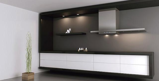 Hotte pando présenté avec une cuisine moderne et design blanche et noir avec meubles de cuisine suspendus et encadrement