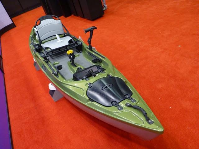 eddyline-C135-Yakattack-Stratofisher-Kayak-3-quarter
