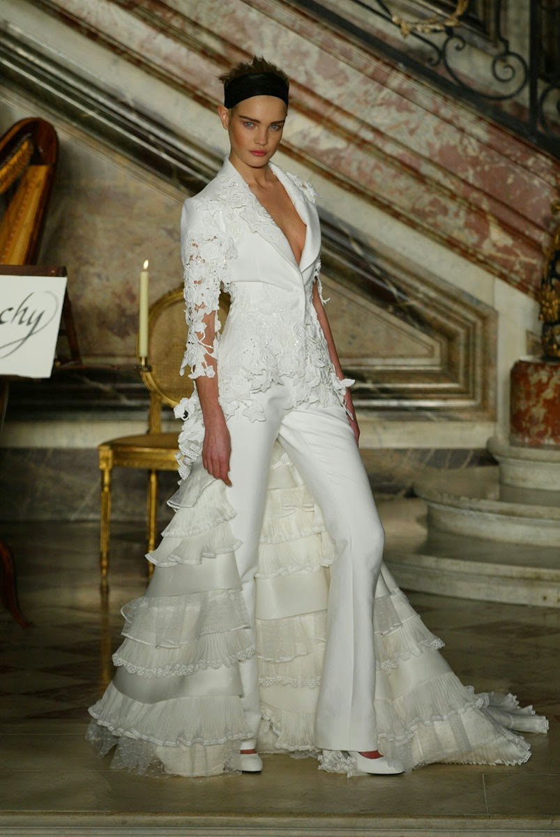 The-Most-Over-The-Top-Haute-Couture-Brides-Ever