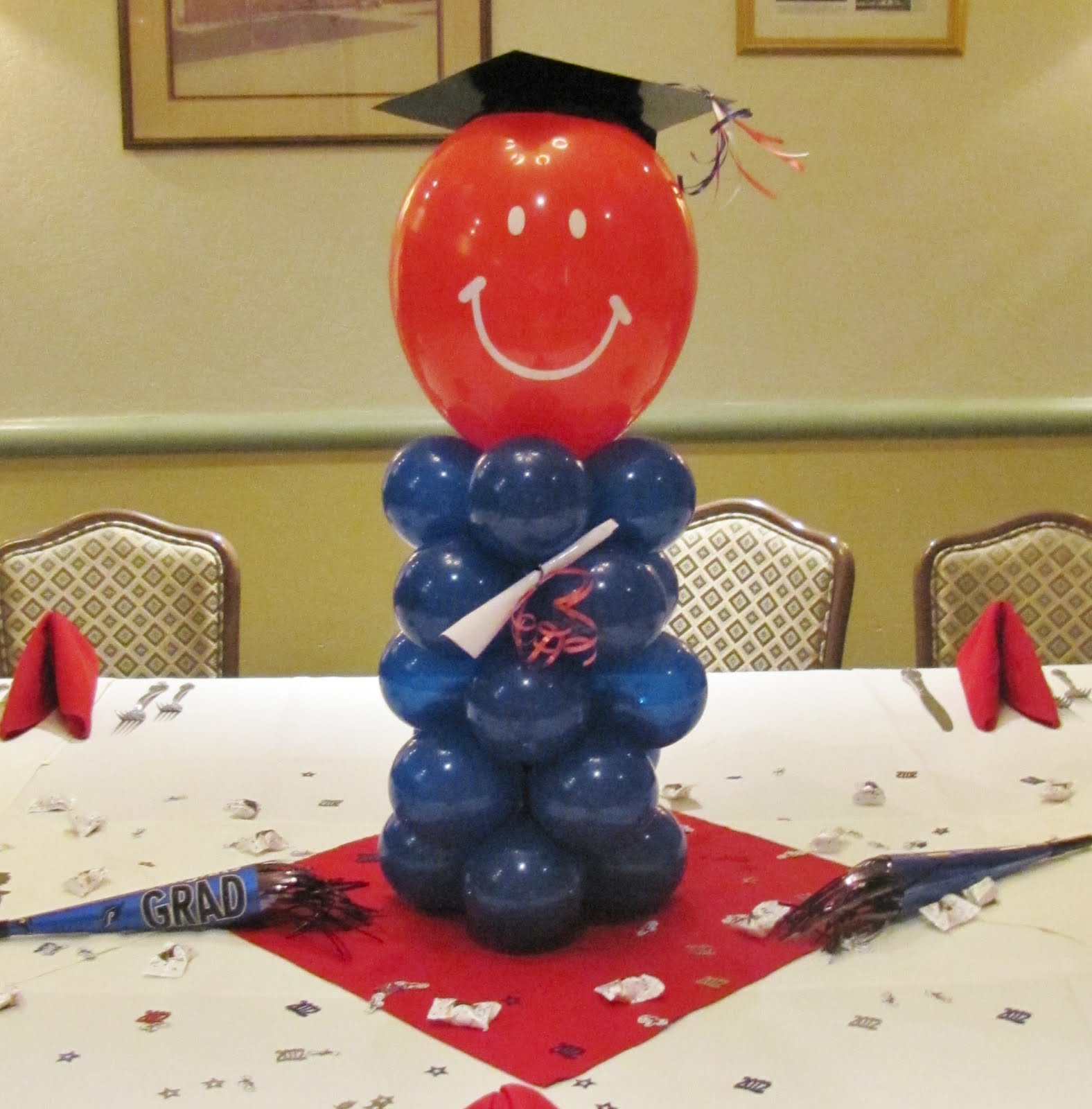 Graduation balloon man balloon decor pinterest for Balloon decoration ideas for graduation