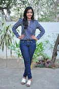 Nithya Shetty dazzling photo shoot-thumbnail-19