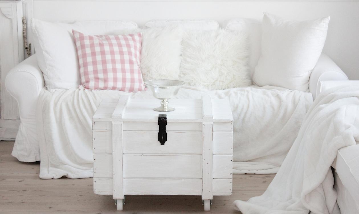 White and shabby: fresh & cosy