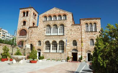http://galazioneiro.blogspot.gr/, Άγιος Δημήτριος-Προστάτης της πόλης ο Άγιος Δημήτριος, μαρτύρησε εκεί που βρίσκεται ο ναός.